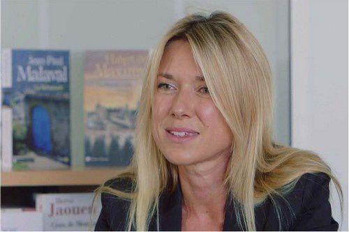 Clarisse Enaudeau, directrice littéraire de la collection Terres de France - Dîplomée de l'école du Louvre. Clarisse fut libraire à la FNAC, puis chargée du développement aux éditions de Borée, avant d'en prendre la direction éditoriale.
