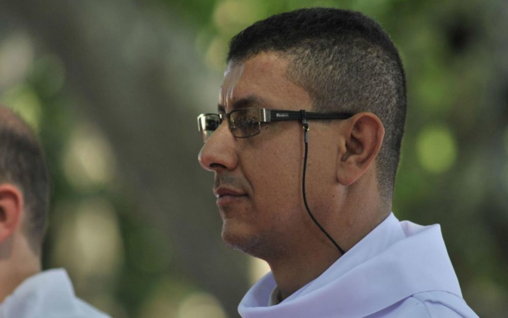 Hier musulman, aujourd'hui prêtre.