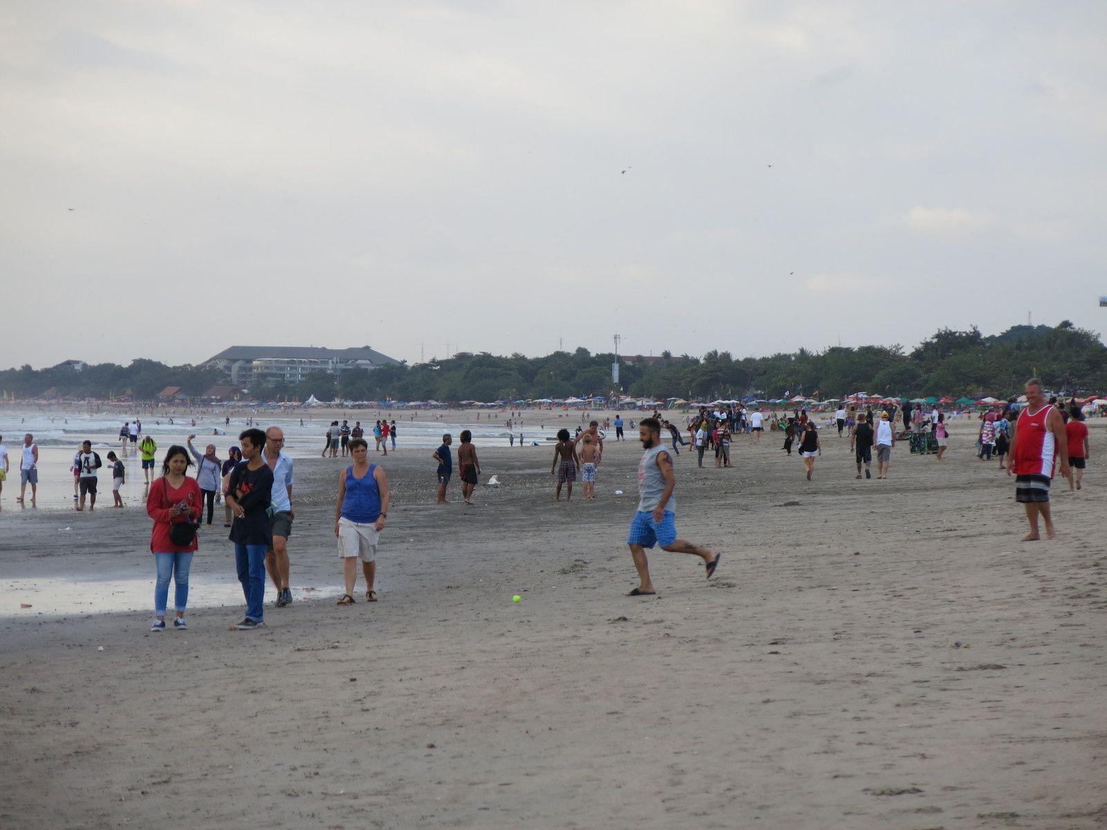 Kuta, la plage, Bali
