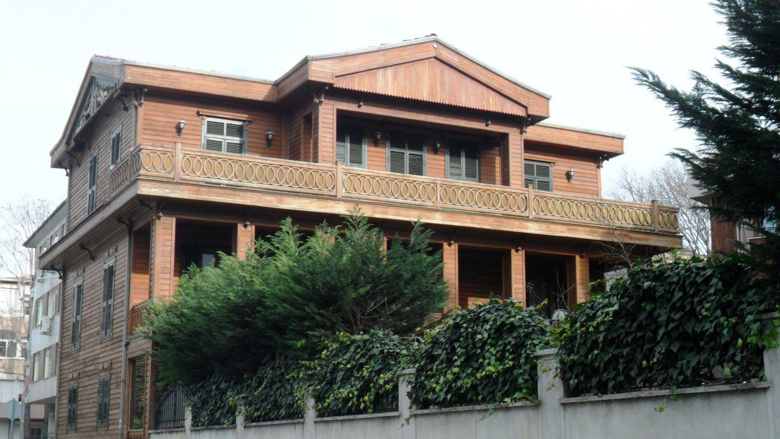 La maison qui fut habitée par le comte Amadeo Preziosi, peintre d'Istanbul