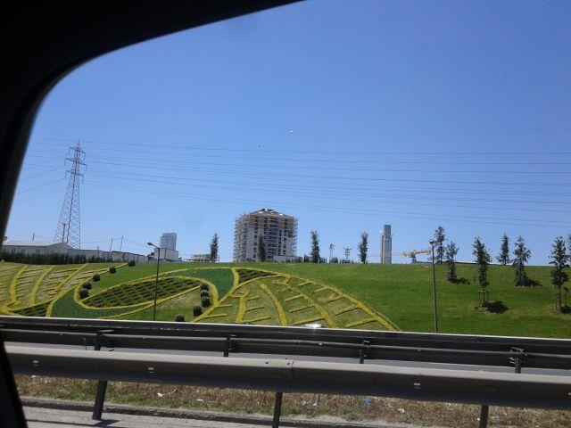 Istanbul : le décor est au bord de la route
