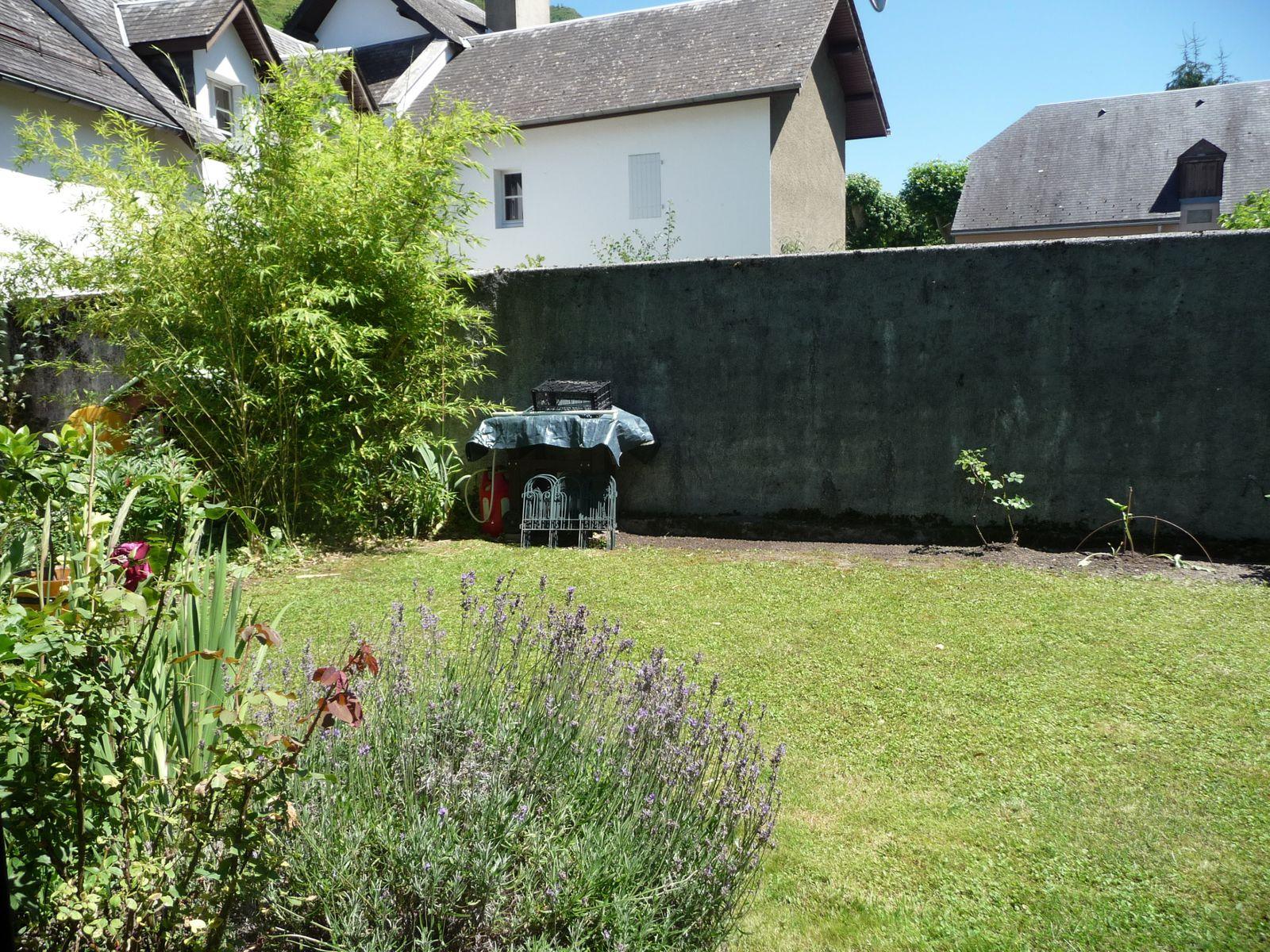 Nettoyage au jardin des fleurs chez vikki for Nettoyage de jardin