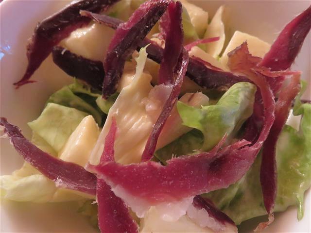Salade aux poires et au magret séché