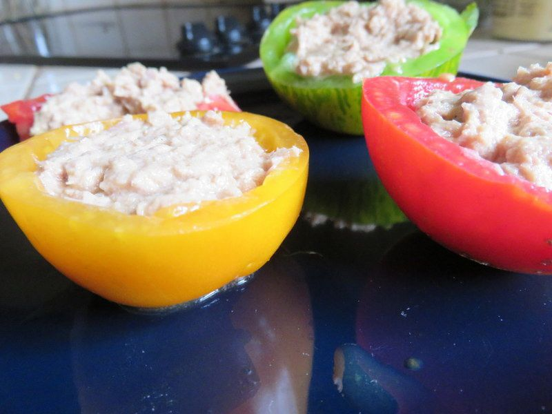 Tomates multicolores farcies au thon