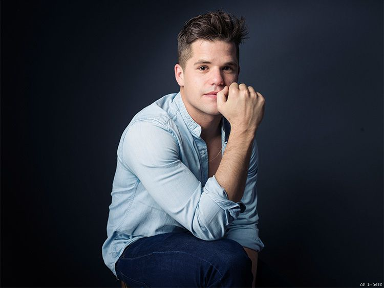 Charlie Carver fait son coming out