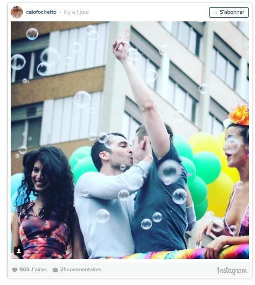 les acteurs de Sense8 s'échauffent à la Gay Pride de Sao Paulo