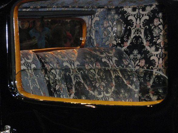 Gros plan Bugatti coupé Napoléon au 40e Salon Retromobile