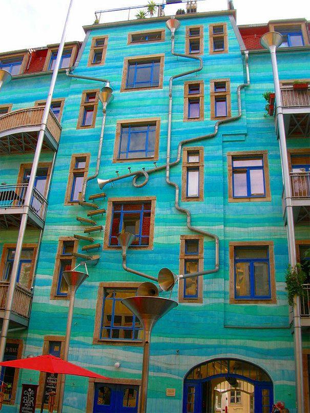 C'est une maison bleue...