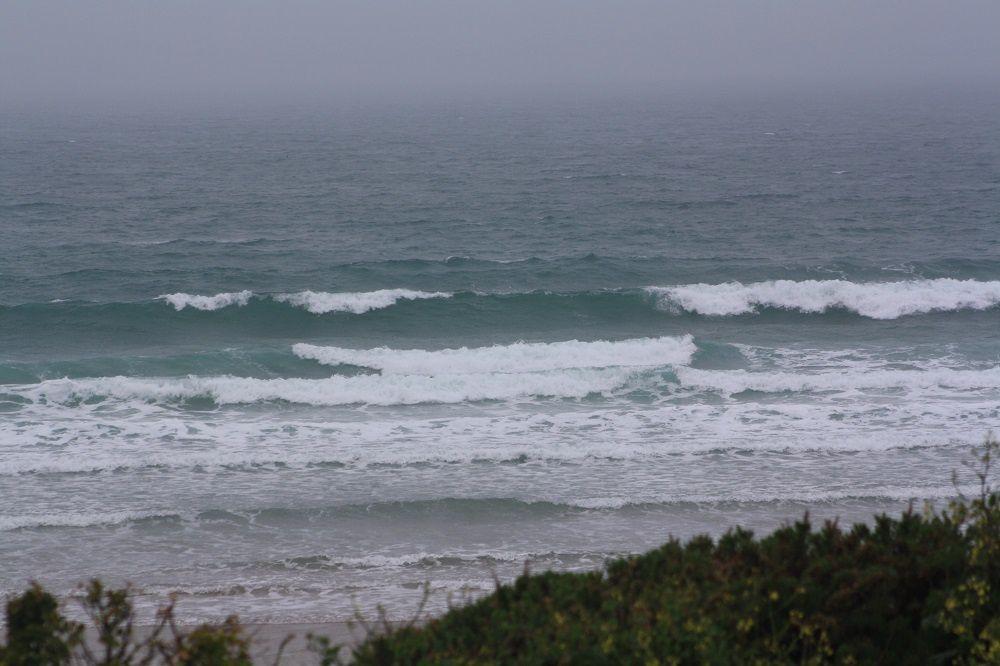 Houle d'ouest agitée atten hausse vent ONO modéré