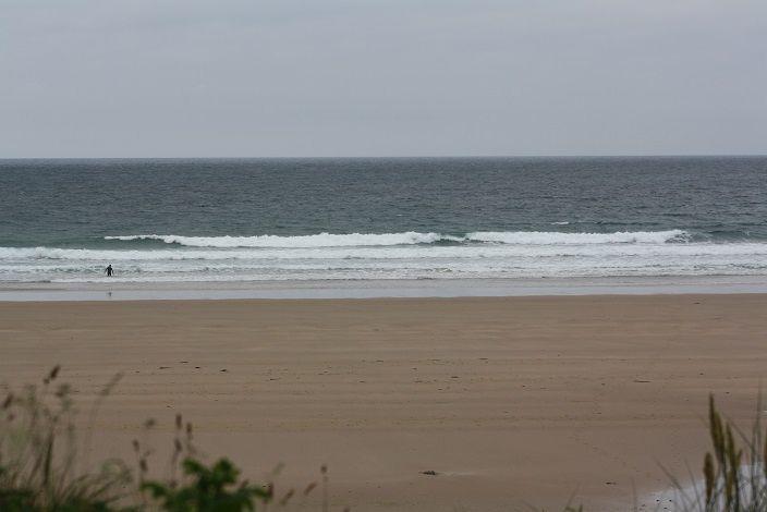 Des vagues dégradées par le vent.