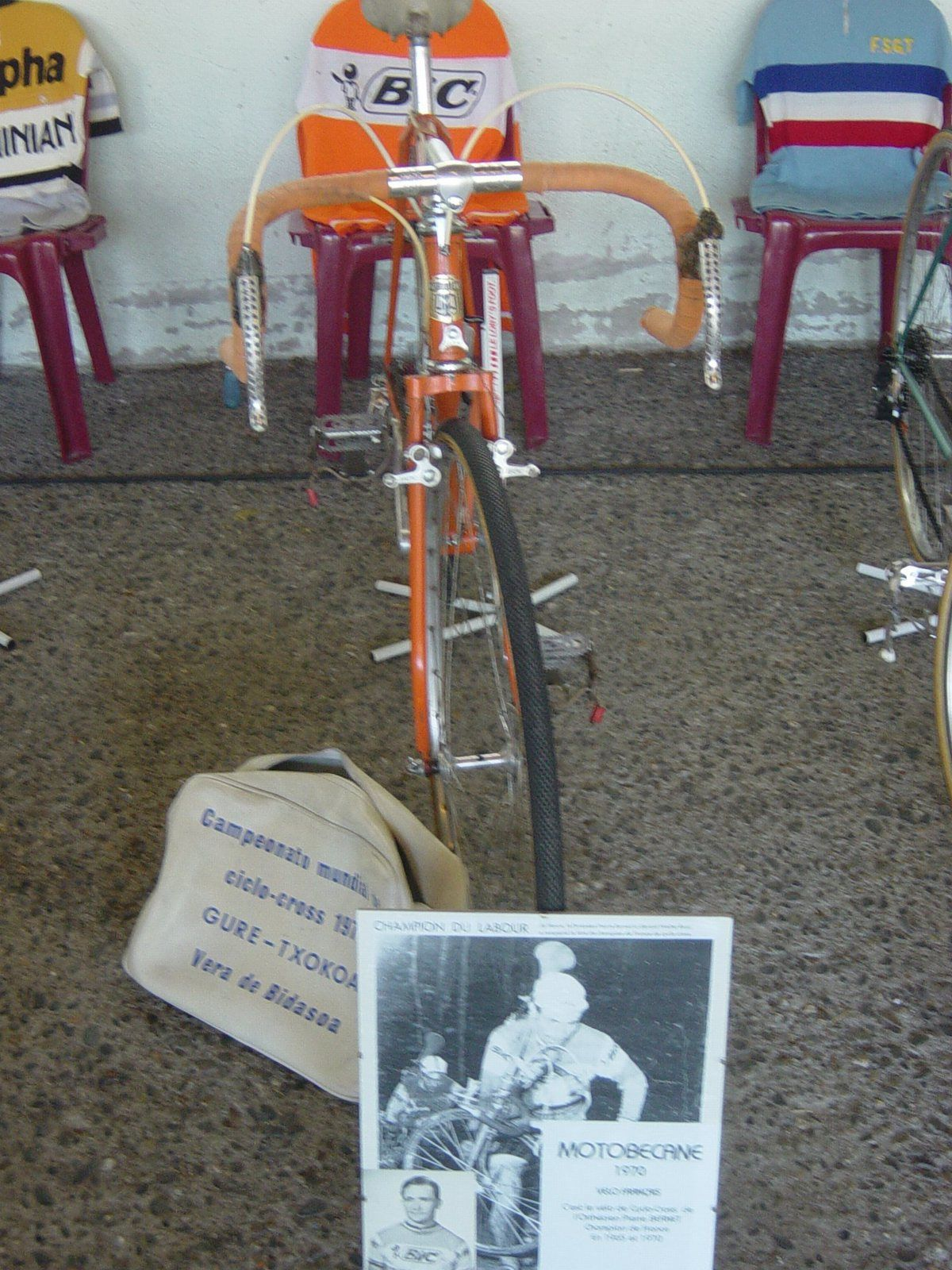 Vélo de cyclo-cross Motobécane 1970, ayant appartenu à P.Bernet, né le 08/04/1939 à Orthez (64), champion de France de cyclo-cross en 1965 et 1970.