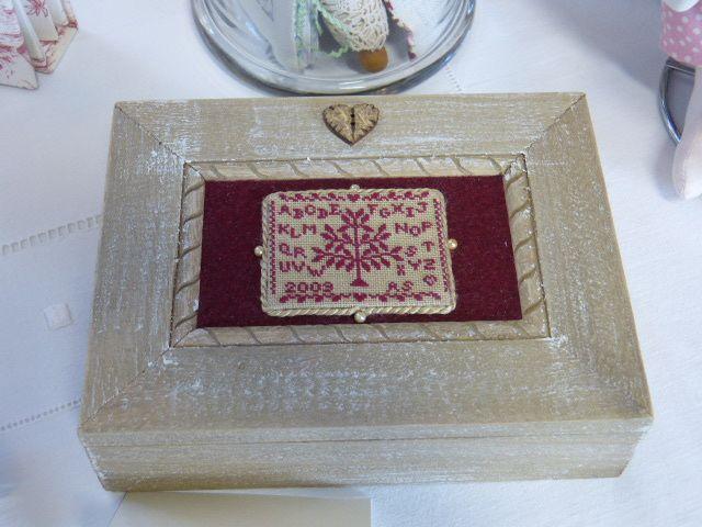 Un pinkeep tout simple était mis en valeur avec ce montage sur une boite.