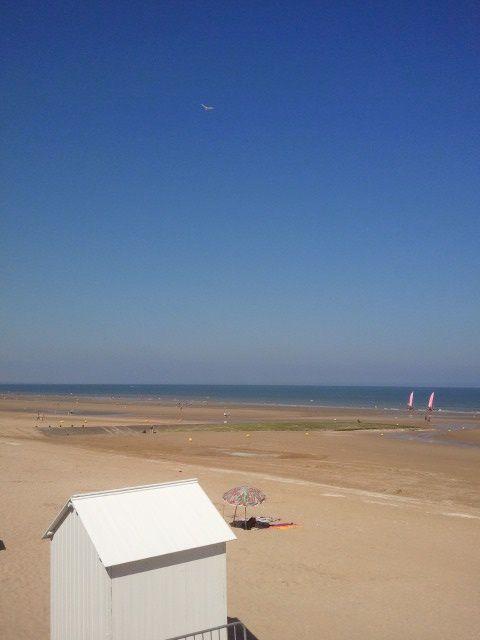 On n'oubliera pas de faire des chateaux de sable sur la plage.