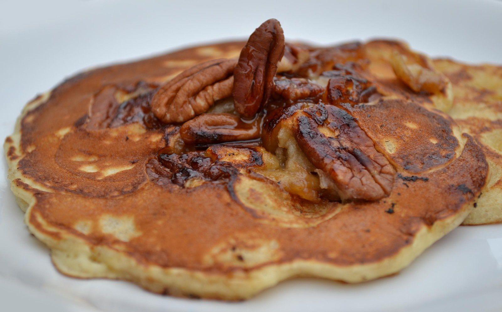 Pancakes aux Pommes et Noix de Pécan