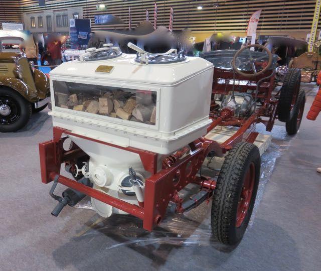 Epoqu'auto 2016 : BERLIET  GAZOGENE  au bois