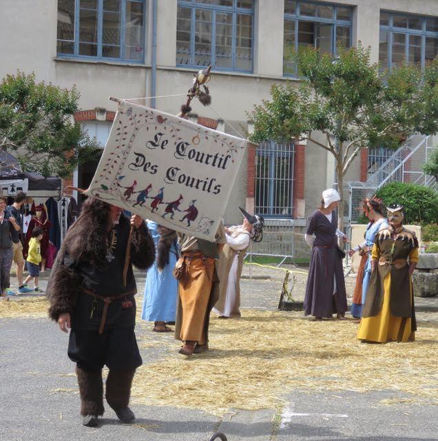 Le Courtil des Courils, danse médiévale