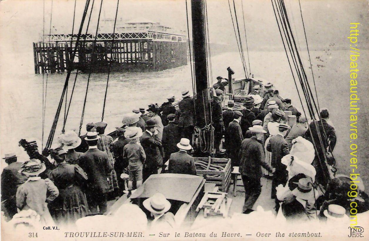 En vue de la jetée promenade a bord du steamer Le Rapide