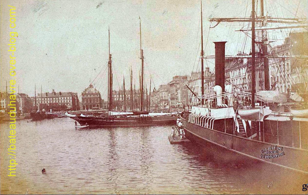 L'Augustin Normand dans le bassin de Commerce. Photo Coll. Lemuet donnateur 1895 source Gallica.bnf.fr