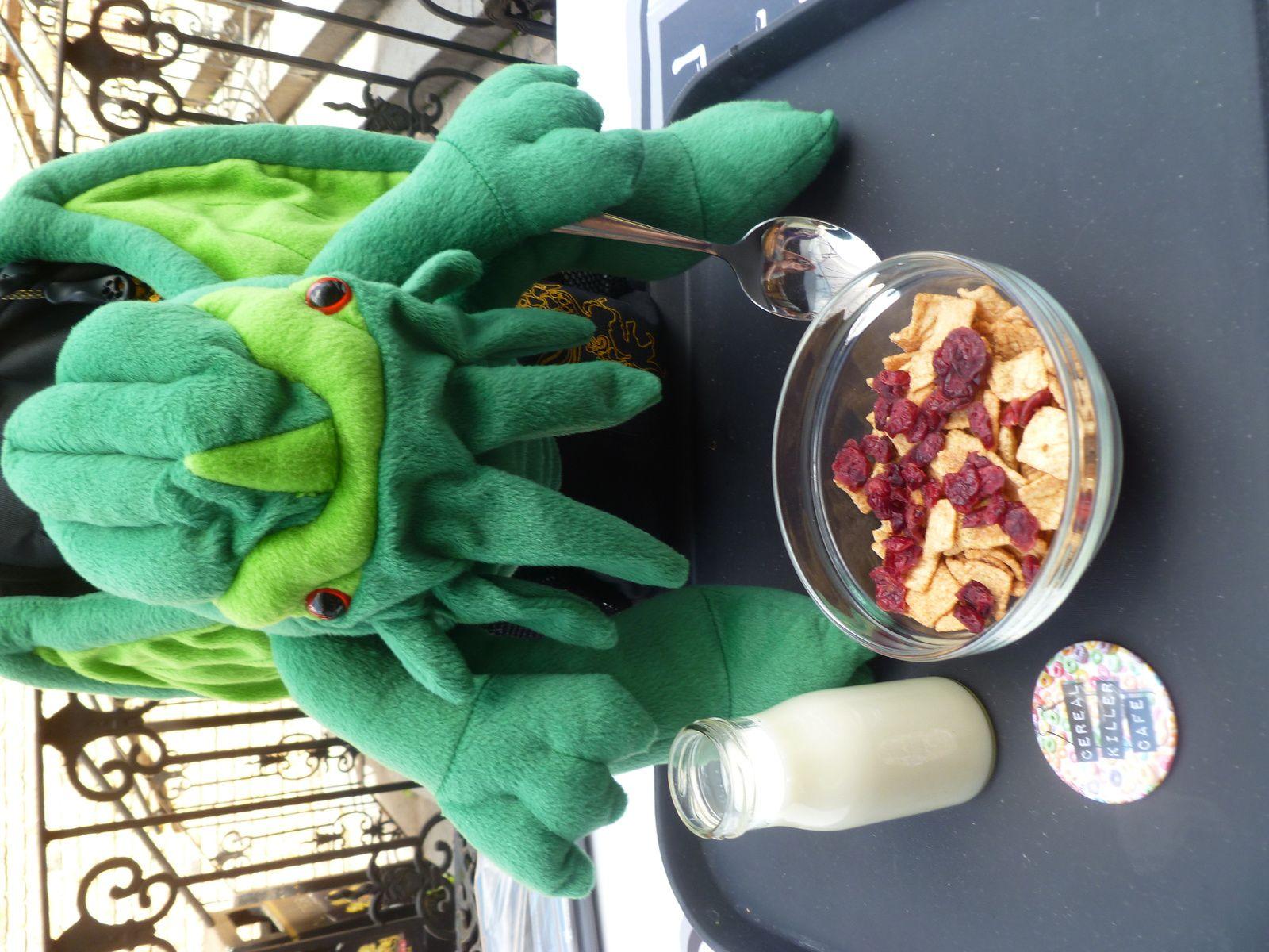 Cthulhu et son bol de céréales à la cannelle et aux cranberries...