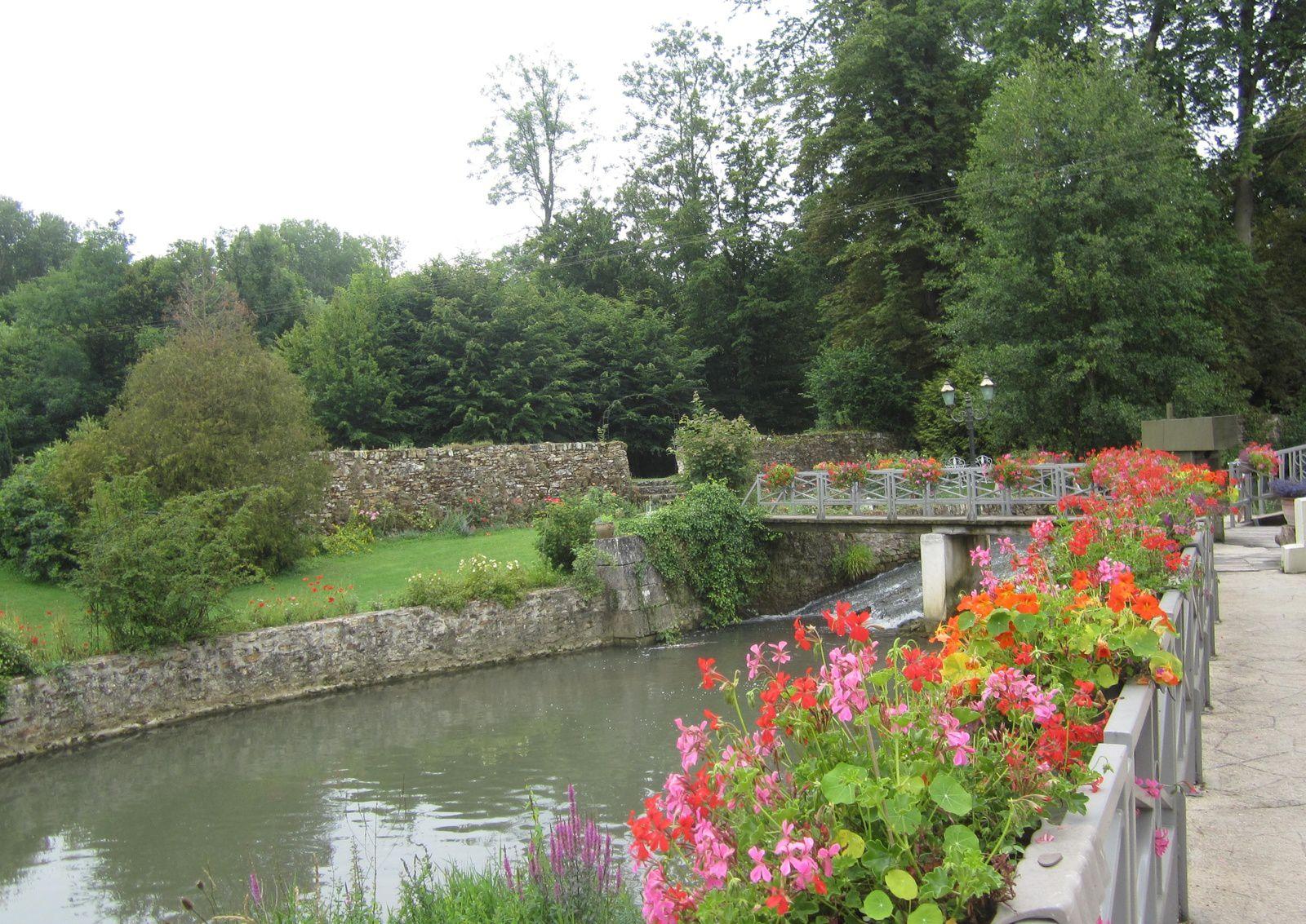 """Le Moulin est situé sur la rivière """" Aubetin"""""""