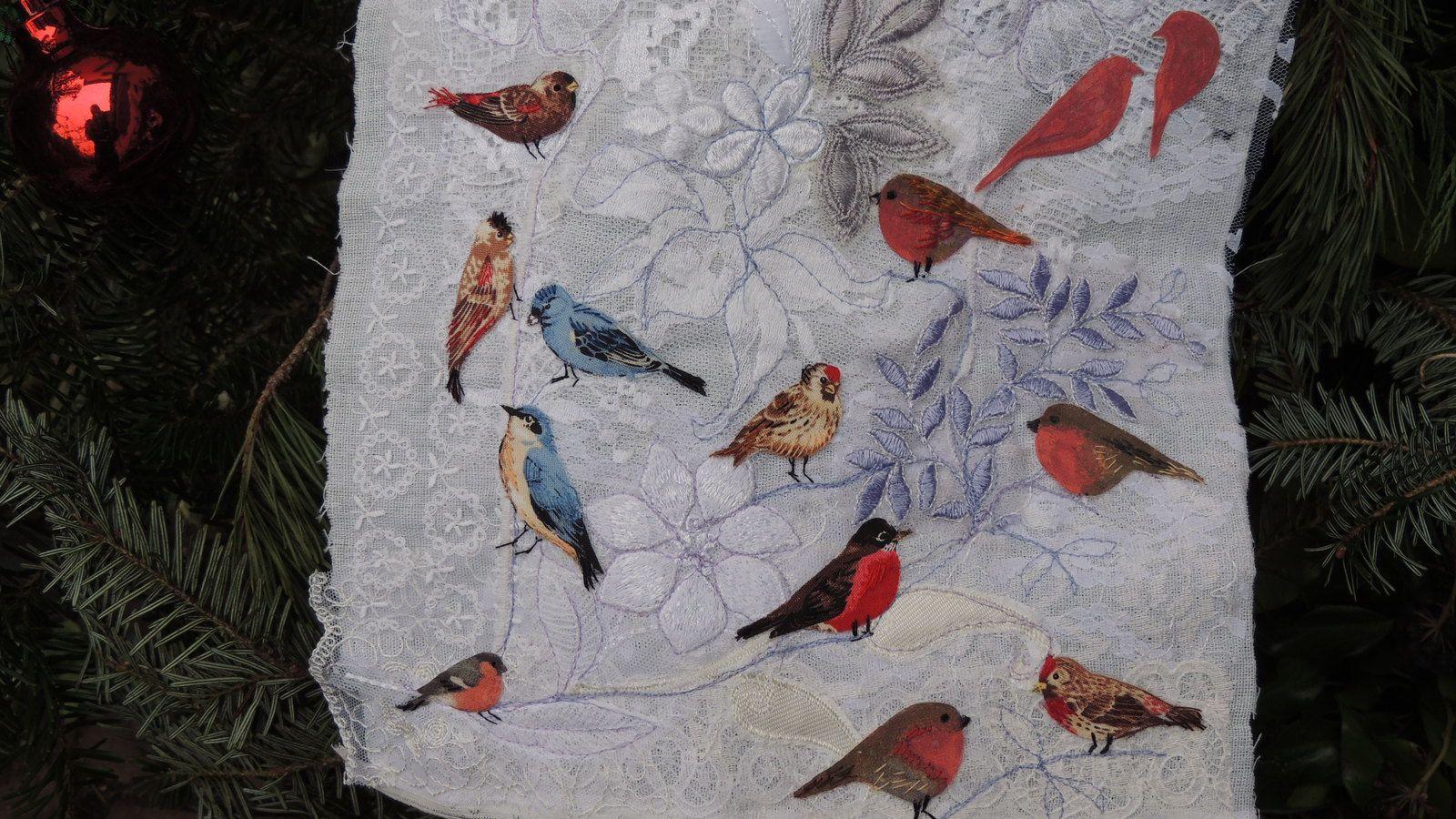 Un ravissant panneau plein d'oiseaux de CLAUDINE