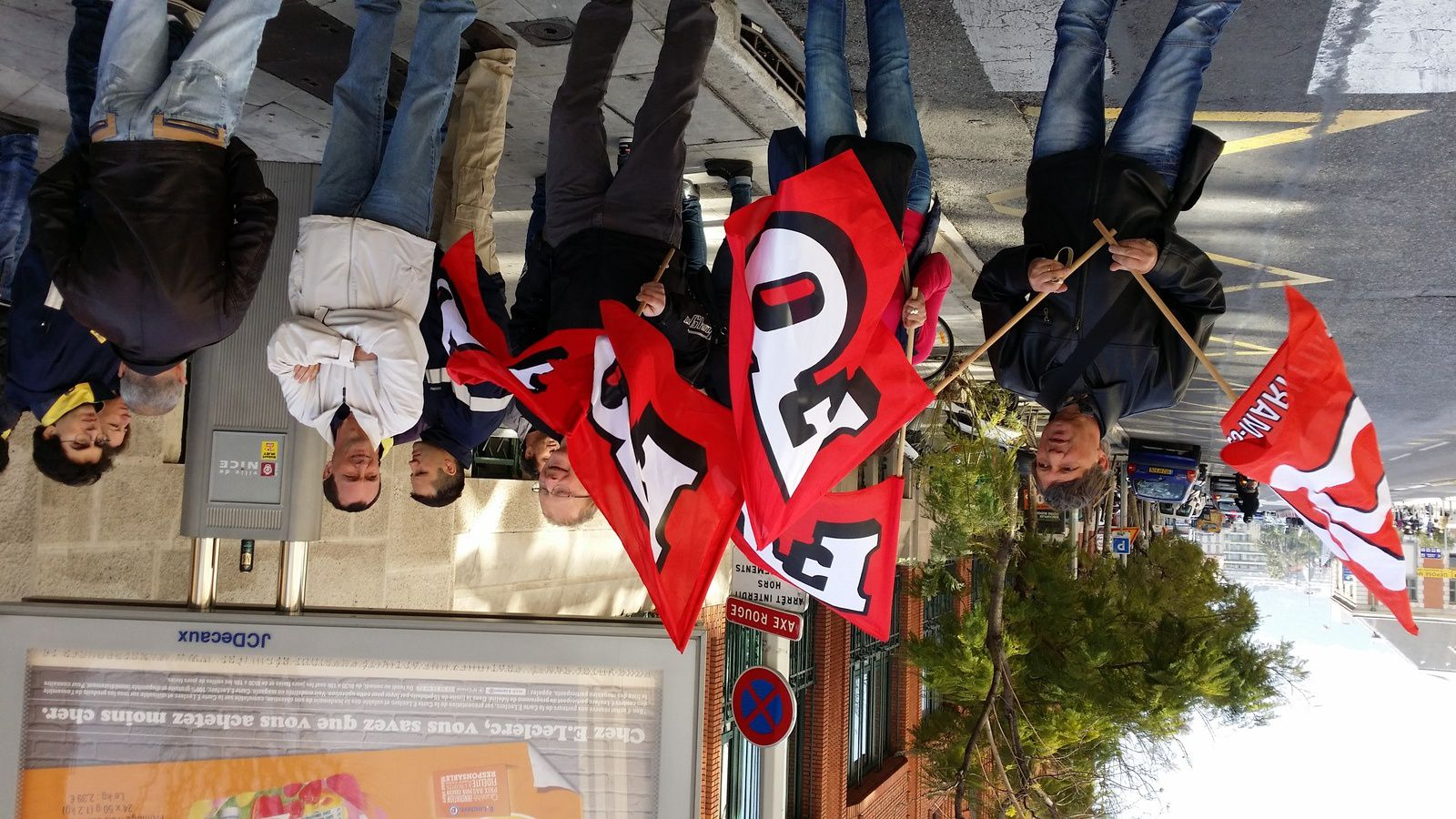 Aujourd'hui 17 mars 2014 devant la DOTC avenue Thiers