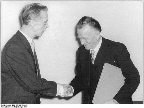 Otto Dix (à droite) - Deutsches Bundesarchiv - Photo Zimontkowski