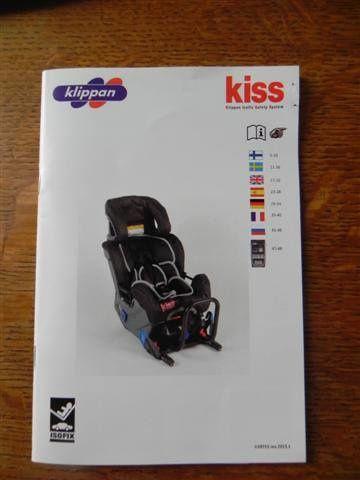 """""""la notice du Kiss 2, le vainqueur ! 48 pages de notice.. don't panic, y'a 8 langues et des dessins !"""""""