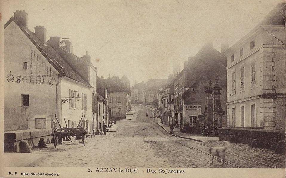 7 CPA de la rue Saint-Jacques à Arnay-le-Duc.