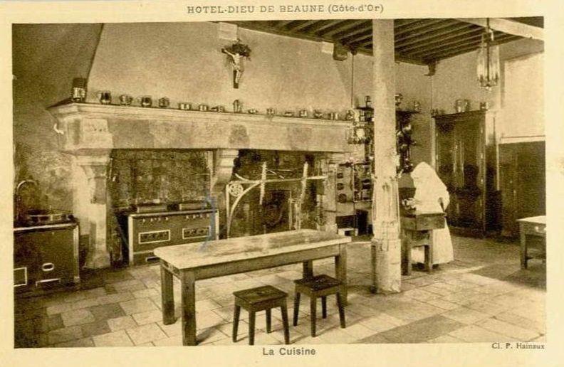 Hôtel Dieu de Beaune - La cuisine.