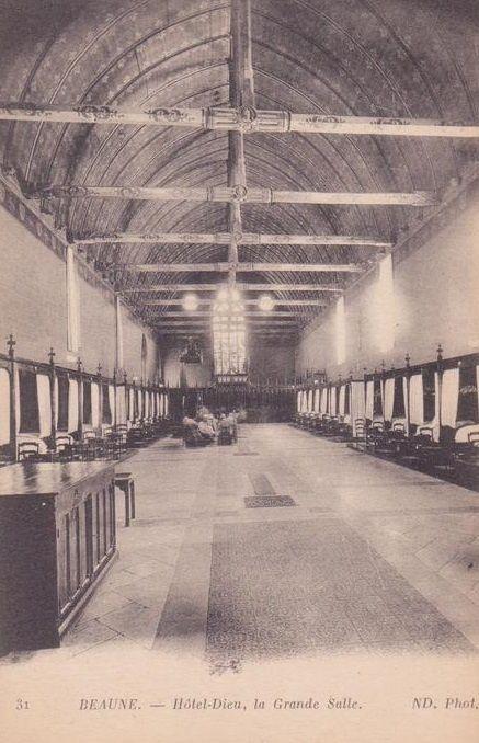 Hôtel Dieu de Beaune - La grande salle ou salle des pauvres - La chapelle.