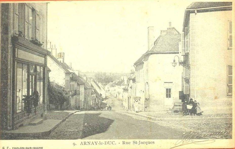 Septs nouvelles CPA sur la rue Saint-Jacques d'Arnay-le-duc.