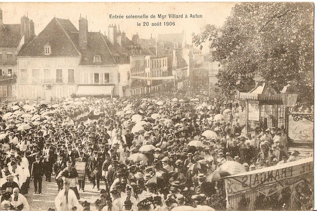 Place du Champ de Mars - 71400 Autun. A différentes dates : 1906 - 1911 - 1913 - 1919.