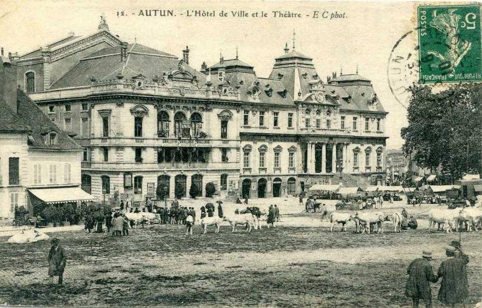 Place du Champ de Mars - 71400 Autun.   ¤¤  Jour de Foire  ¤¤