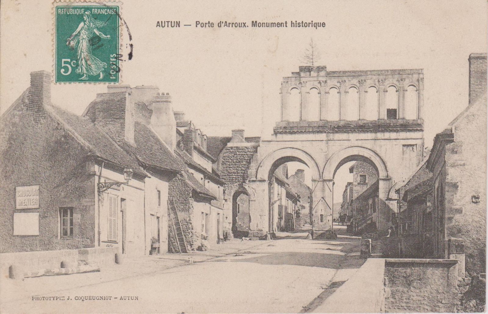 Porte d'Arroux - 71400 Autun  -- Monument Gallo-Romain.