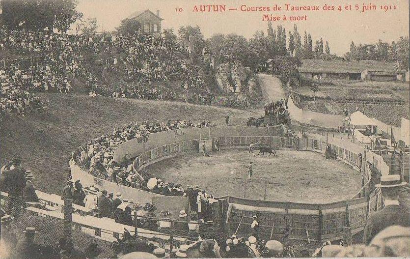 Théâtre Romain d'Autun - Course de Taureau - 71400 Autun.