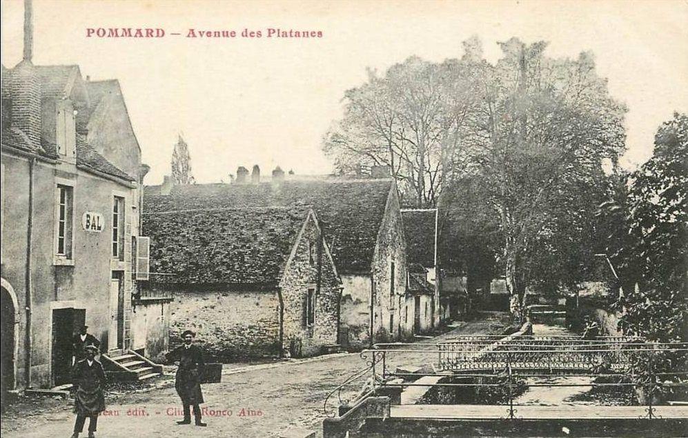 Pommard - Avenue des Platannes, Avenue des Tilleuls, la Grande-Rue, Haut du pays, le Lavoir et la Fontaine, Monument aux Morts, Route de Beaune, Route d'Ivry et commerce - Pommard.