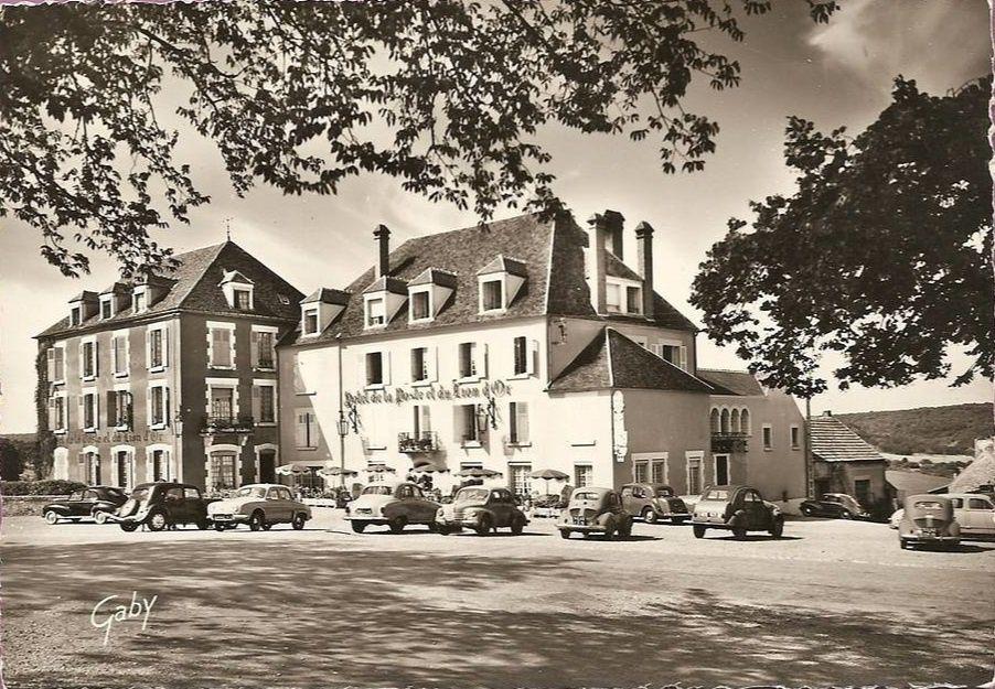 Vézelay - Hôtel de la Poste et du Lion d'Or - Vézelay.