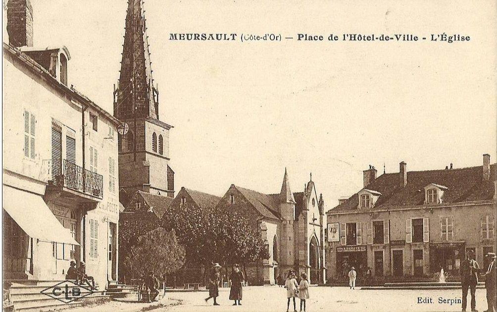 Meursault - Place de l'Hôtel de Ville - Meursault.