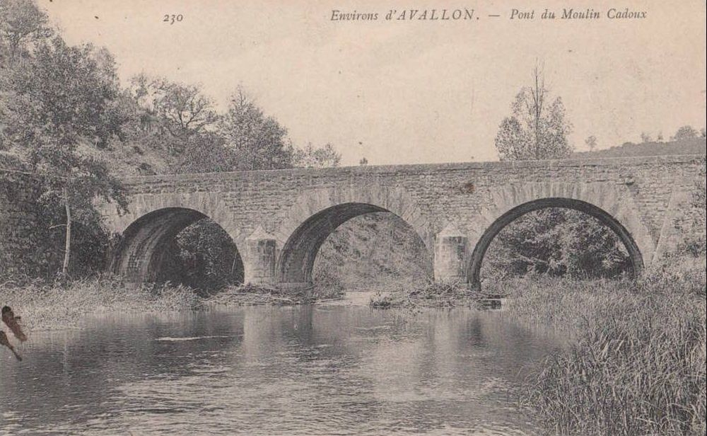 Avallon - Moulin Cadoux - Avallon.