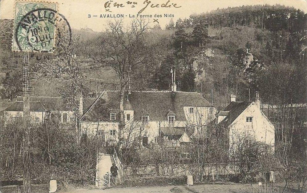 Avallon - La Ferme des Nids et les Ruats - Avallon.