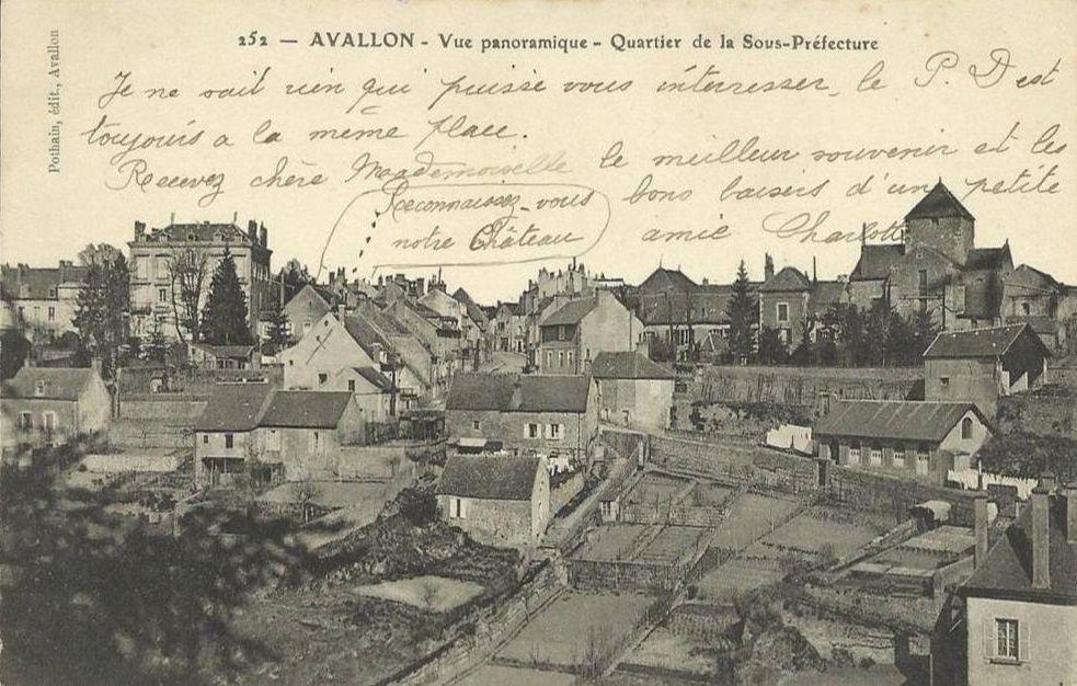 Avallon - Caisse d'Epargne, Hôpital, Prison, Sous-Préfecture - Avallon