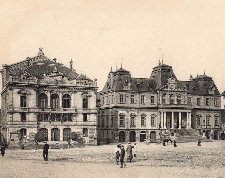 Théâtre Municipal et Hôtel de Ville - Place du Champ de Mars - 71400 Autun.