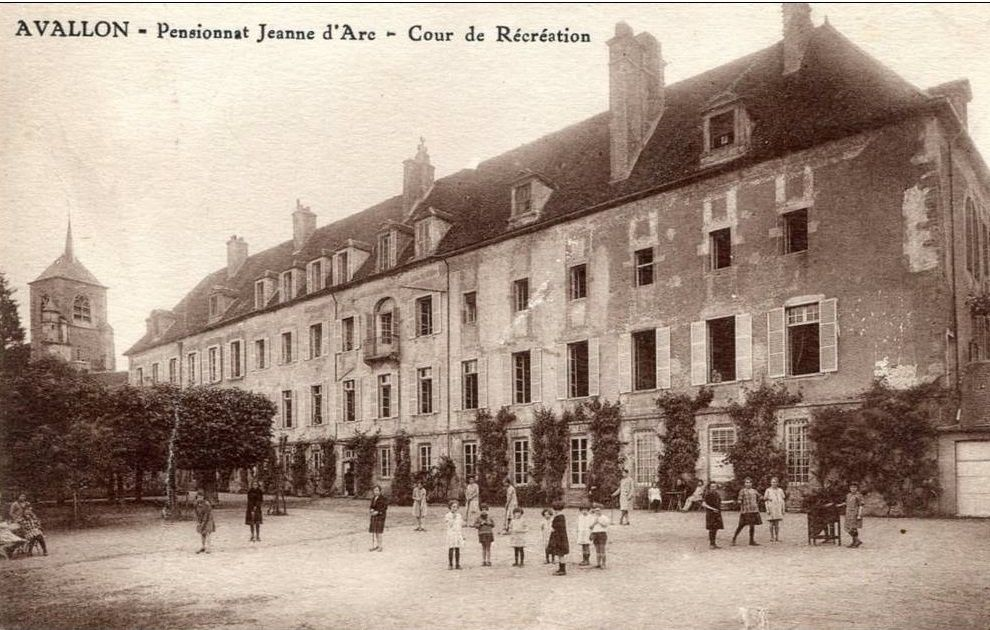 Avallon - Le collège, Ecole communale de garçons, Institutions Saint-Joseph, Pensionnat Jeanne d'Arc - Avallon.