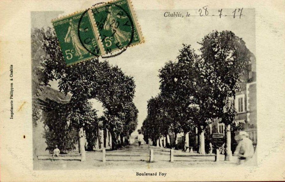 Chablis - Mairie, Place du Marché, La Maladière, Bld Foy, Quai du Biez, Rue des Moulins, Rue des Vieilles Boucheries, Rue St Laurent - Chablis.