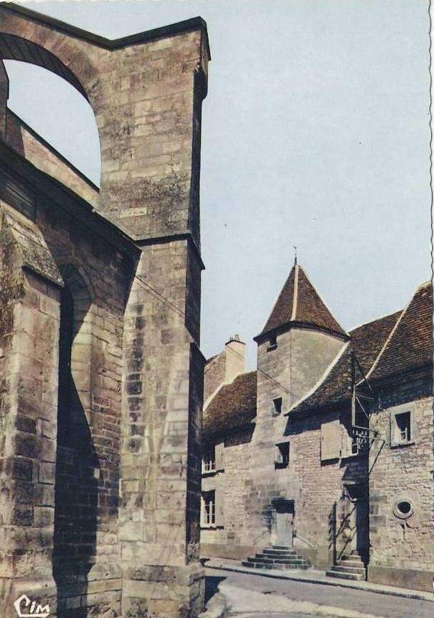 Chablis - Les bords du Serein, l'abreuvoir, le Moulin du Pâtis, l'Obédiencerie, le prieuré St-Cosme, la Feuillette - Chablis.