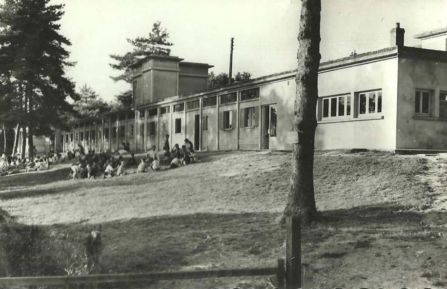 Saint-Fargeau - Réservoir de Bourdon, Centre de réoxigénation du Bourdon, les baigneurs, Concours de pêche - Saint-Fargeau.