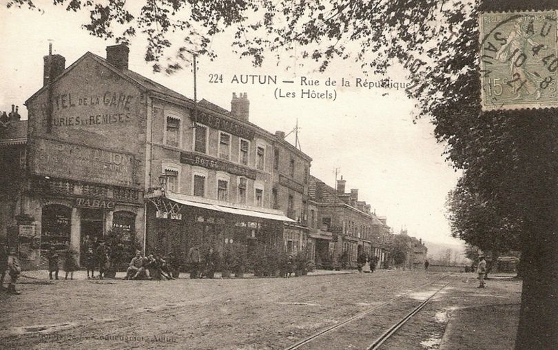 Avenue de la République - 71400 Autun.