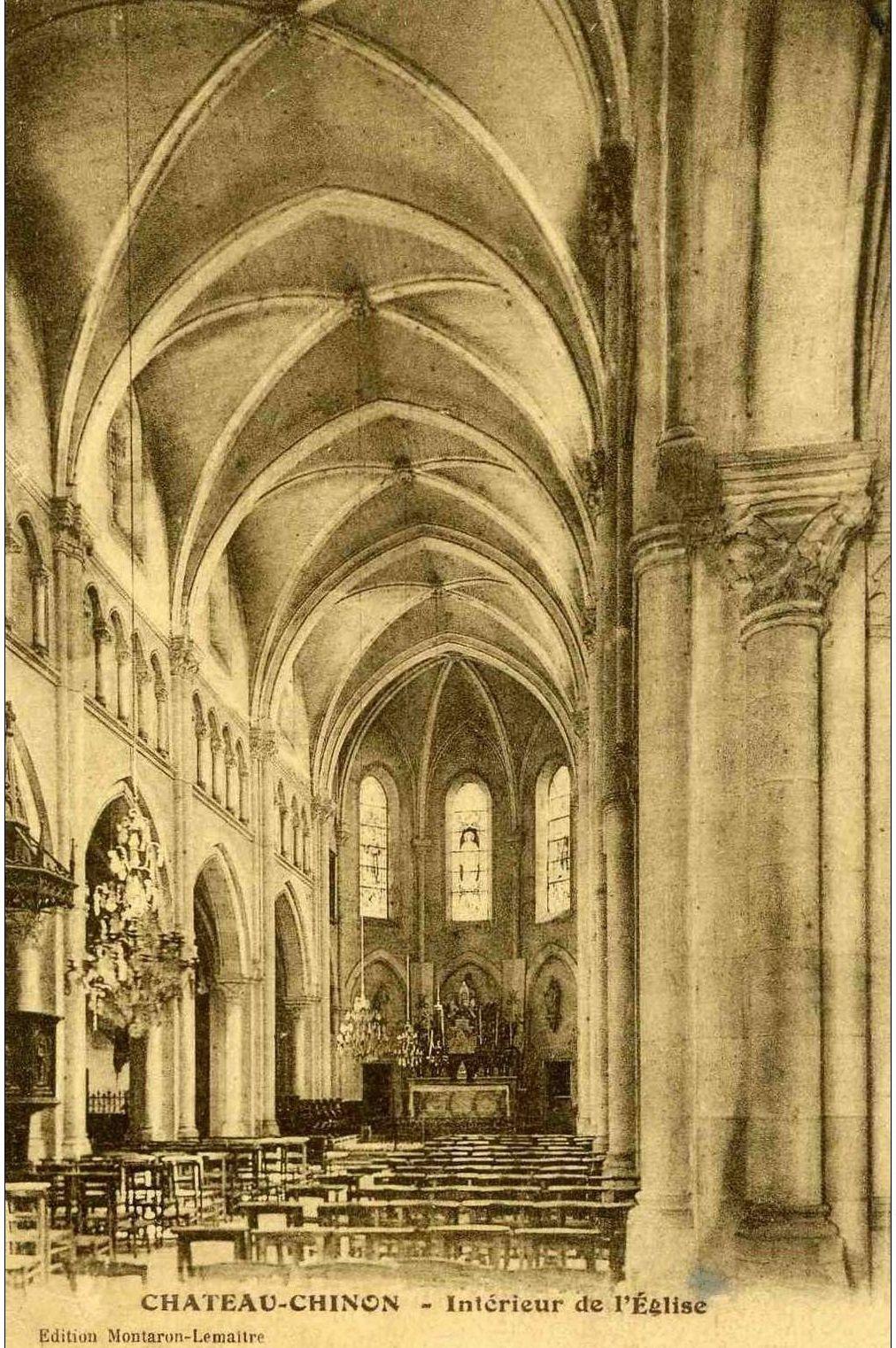 Château Chinon - L'église, Intérieur de l'église, la chapelle du Chêne - Château Chinon.