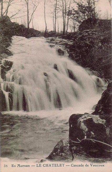 Le Châtelet - L'étang de l'Yonne, Le Pont, Le Restaurant Paul Duteil, La cascade de Vaucoux - Le Châtelet.